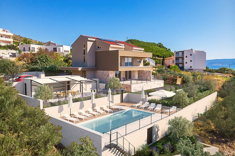 Heated pool 9mx4,5m, a sun deck area with 12 deck chairs, grassplot for kids fun