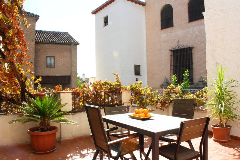 Charming historic San José apt 1B in Albaicin, holiday rental in Granada