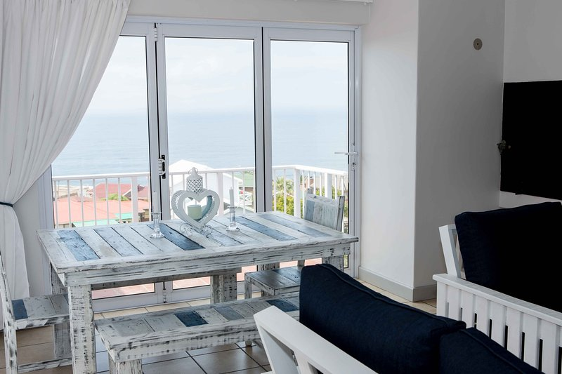 Relaxing Family Holiday Accommodation With Sea View - Kloofsig 505, vacation rental in Mossel Bay