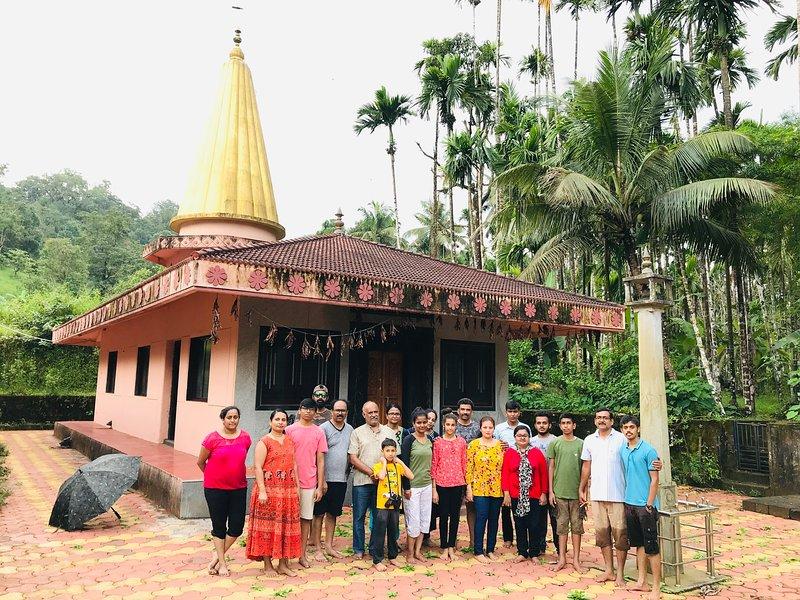Bênçãos do templo de Shambulingeshwara.