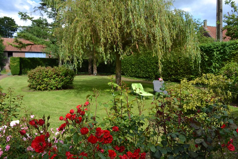 Gîte de charme 8 personnes à la campagne - Neuville au bois, vacation rental in Abbeville