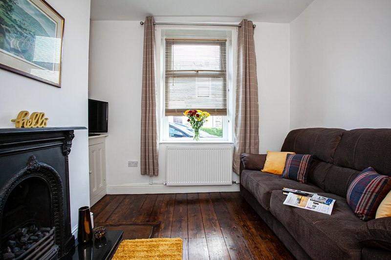 Spacious 3 bedroom terraced house in the centre of  Whalley, holiday rental in Clayton-le-Dale