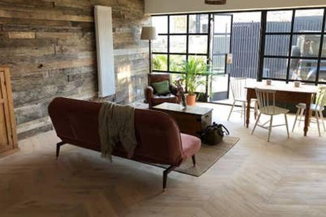 Cliftonville Mews - Restored Artist Mews House, location de vacances à Kingsgate