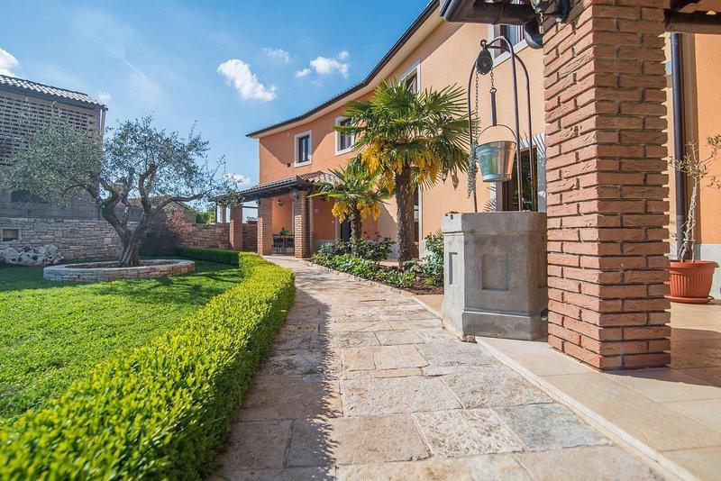 Flagstone,Path,Walkway,House,Building