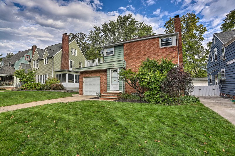 Pet-Friendly Home < 8 Mi to Downtown Cleveland!, holiday rental in Aurora