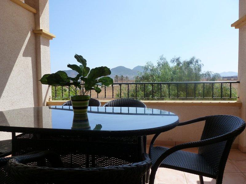 Ribera Beach 3-Bed Apartment in La Manga Area, holiday rental in Mar de Cristal