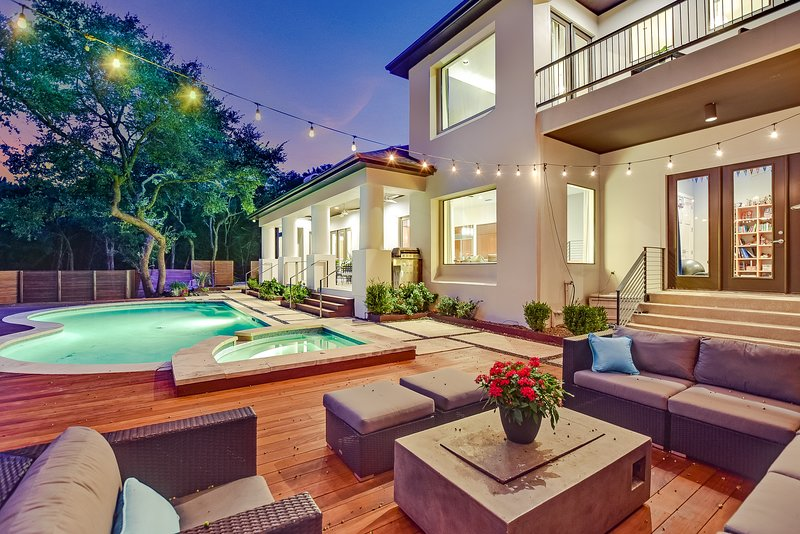 THE ABOVE SKYLINE VIEW ESTATE AUSTIN, holiday rental in West Lake Hills