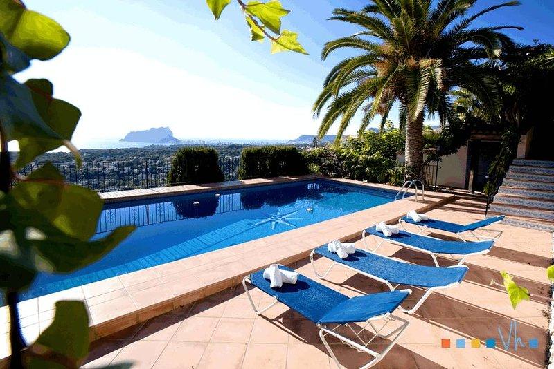 AGUILA - Villa con impresionantes vistas al mar en Benissa, holiday rental in Benissa