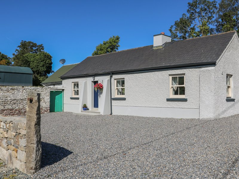 Macreddin Rock Holiday Cottage, Aughrim, County Wicklow, location de vacances à Brittas Bay