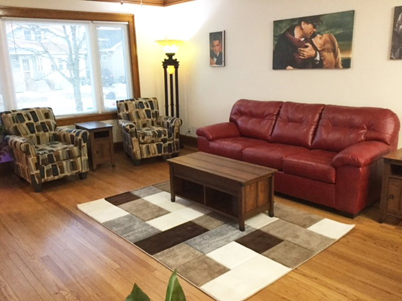 Marvelous! Professionally Cleaned, Self Check In - Sleeps 14, holiday rental in Mount Pleasant
