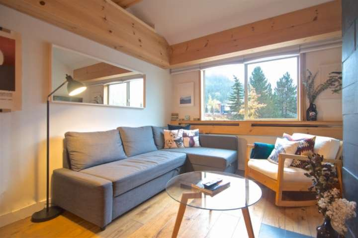 Cute lofted condo across the street from Gondola and Creekside amenities Chalet in Whistler