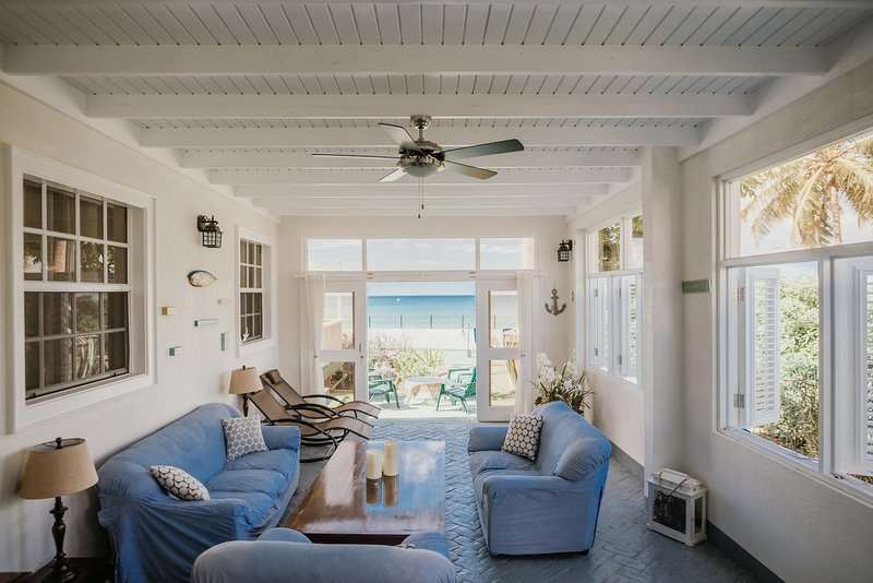 Starfish Beach House, Ferienwohnung in Bridgetown