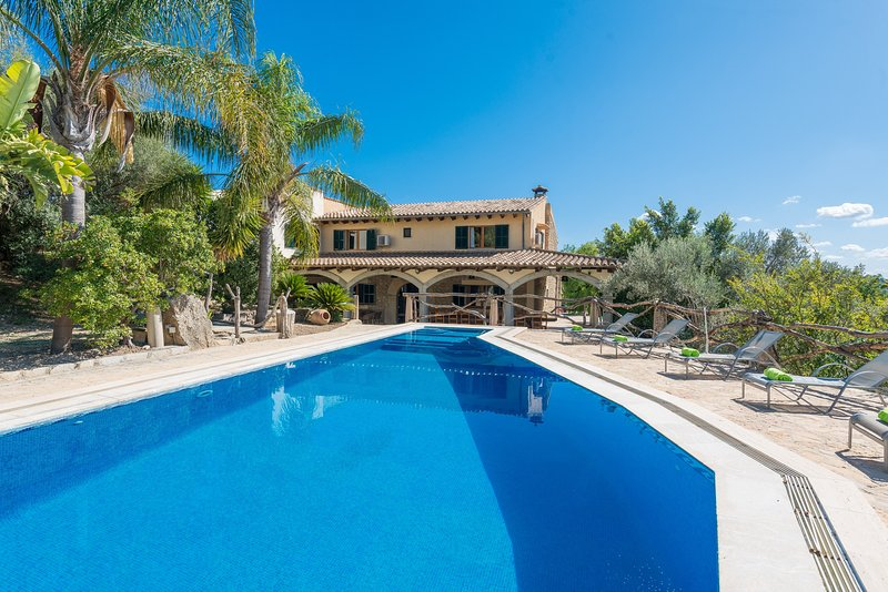 CAS CARRO (SA TEULERA) - Villa for 12 people in Selva, holiday rental in Majorca