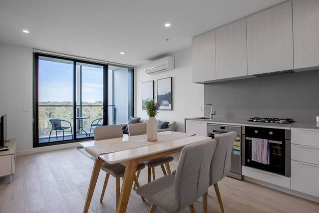[Grey Style] Simple and Cozy Apt*Parkville+Carpark, vacation rental in Moonee Valley
