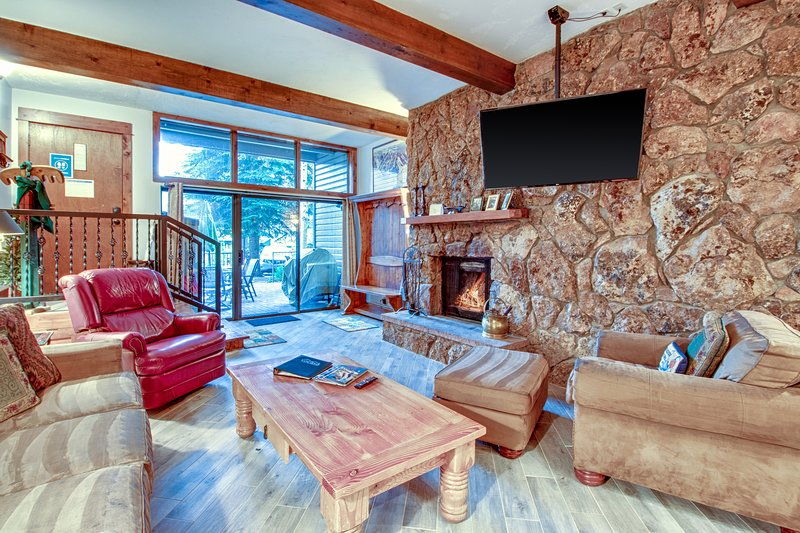 Mountain ground floor condo w/semi-private gated patio, free ski shuttle, holiday rental in Beaver Creek
