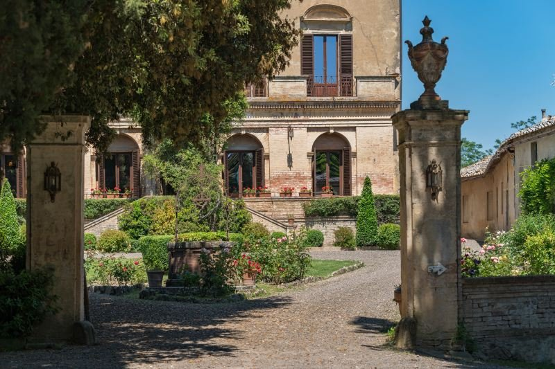 Buonconvento Villa Sleeps 16 with Pool Air Con and WiFi - 5310337, vacation rental in Vergelle