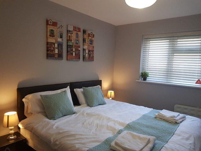 1 cama super king size o 2 individuales dependiendo de la configuración que prefiera.