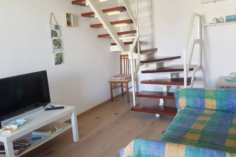 Amazing house with garden & terrace, location de vacances à Villasimius