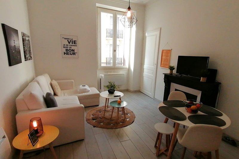 Scandinavian style for 4❤️Near Tram C/E #B3, vacation rental in Grenoble