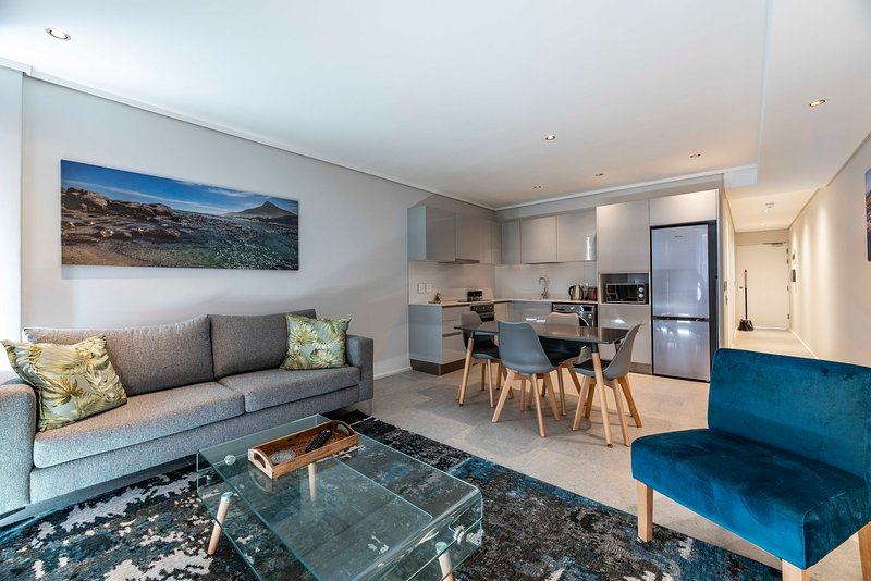 604 The Cosmopolitan... Luxury Sea Point!, vacation rental in Bantry Bay