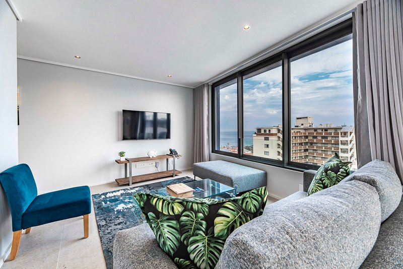 605 The Cosmopolitan- Views and Location!, vacation rental in Bantry Bay