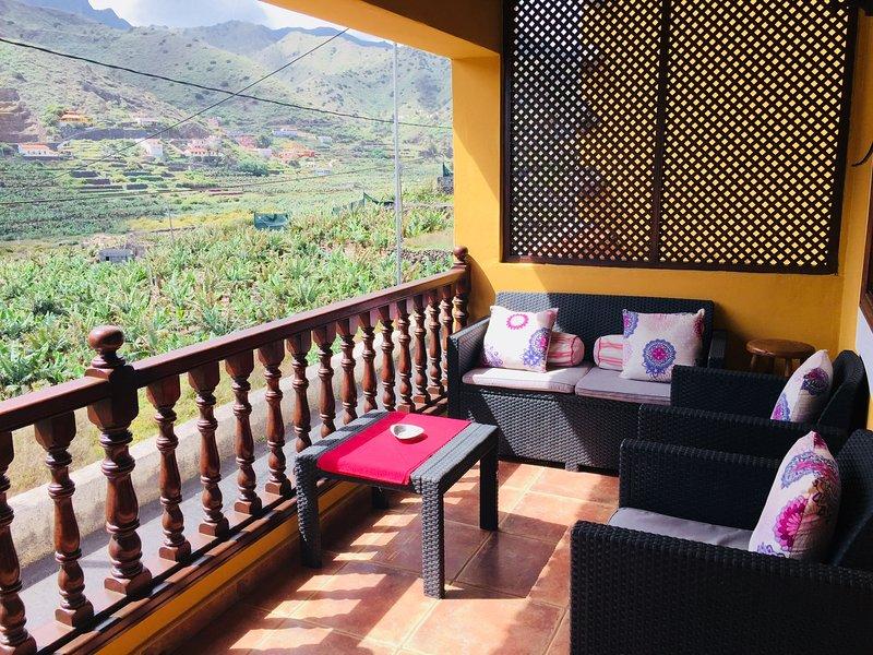 Beautiful house with sea view, aluguéis de temporada em Agulo