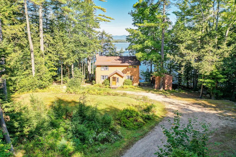 Lake Winni - WF - 351, vacation rental in Moultonborough