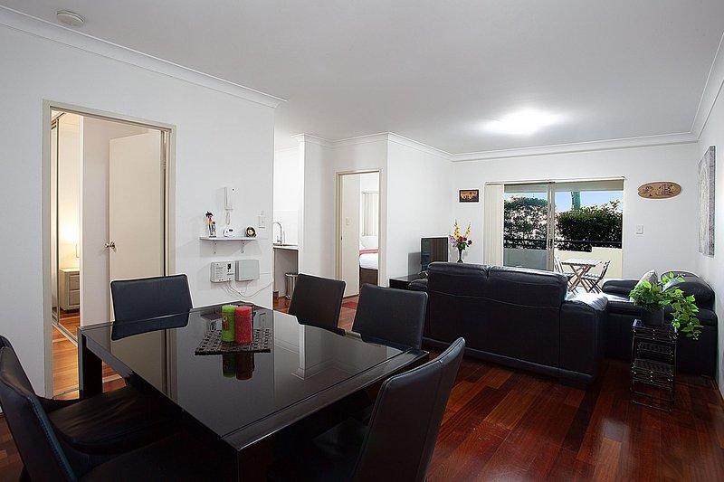 Spacious Family Apartment Close to Olympic Park, location de vacances à Strathfield