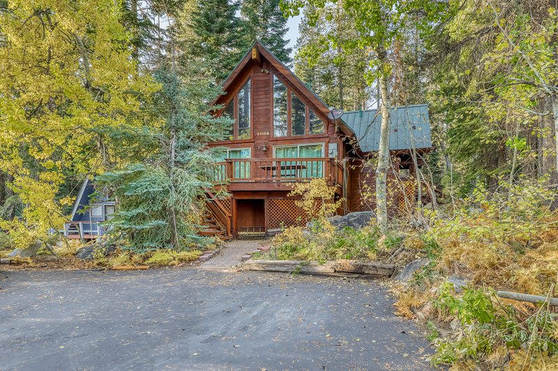 Beautiful dog-friendly home w/ gorgeous mountain views & a private BBQ, vacation rental in Soda Springs