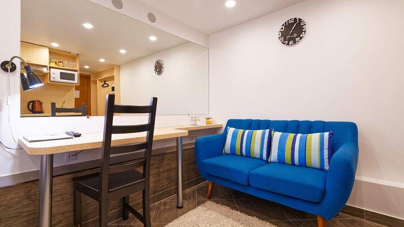 Compact Romantic Studio for couple, location de vacances à Riga