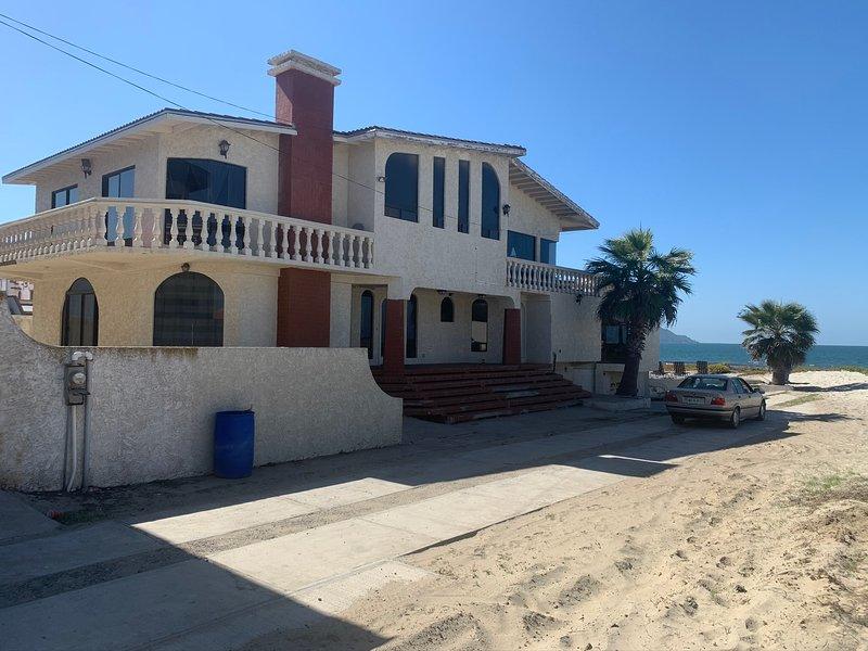 CASA GRANDE BEACH FRONT, holiday rental in Lengueta Arenosa