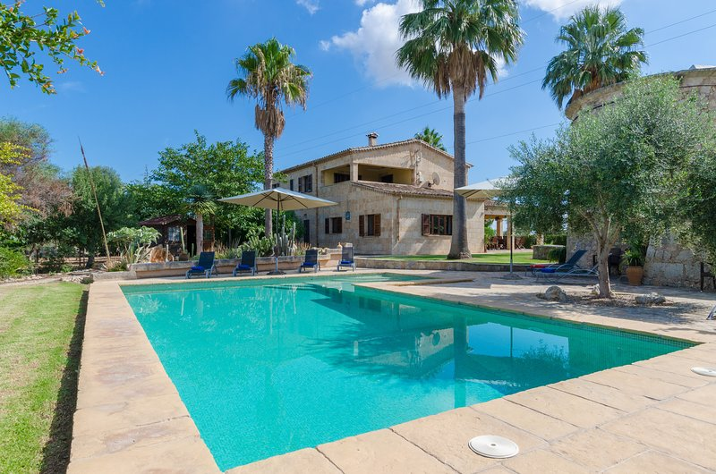 SA RESCLOSA - Villa for 10 people in Búger, vacation rental in Buger
