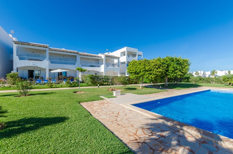 CELESTE - Apartment for 6 people in Cala D'or, holiday rental in Cala Mondrago