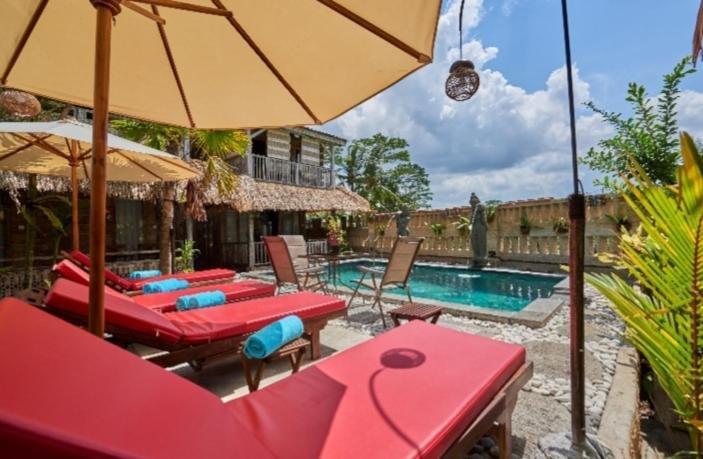 Royal Jj Ubud Resort and Spa Deluxe Room Upper Floor, alquiler vacacional en Melayang