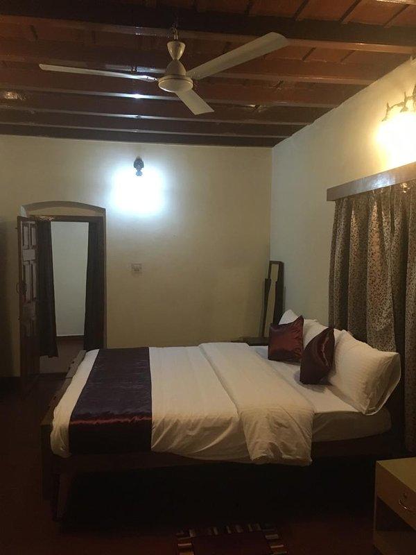 Camera per quattro persone con materasso King Size e nella camera adiacente un materasso Queen Size