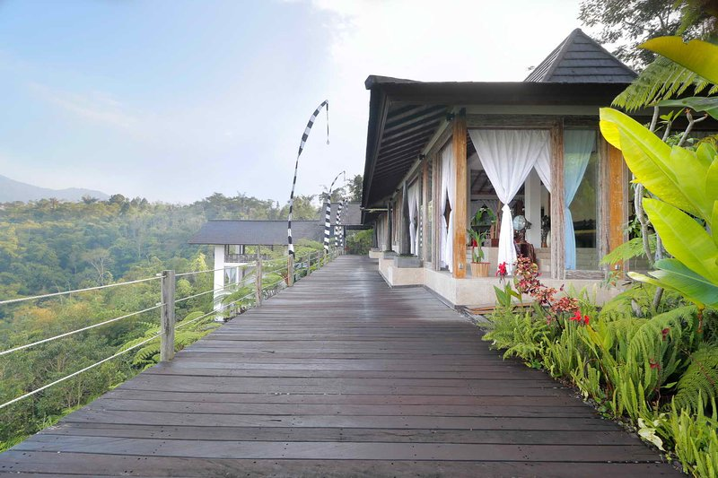 The Bejalin - Luxury 5 BR Eco Retreat in Plaga, alquiler vacacional en Bedugul
