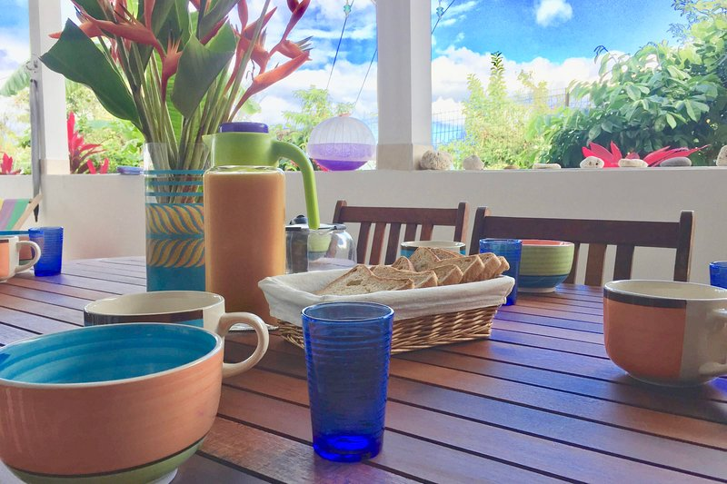 Comfortable, well-equipped accommodation next to diving centers and baths., vacation rental in Basse-Terre