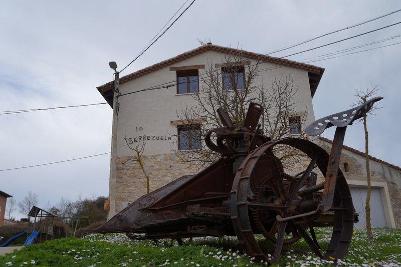 Casa Rural Bioenergética La Serrezuela, holiday rental in Valdazo