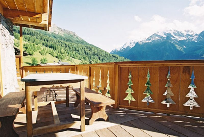 Amazing chalet with terrace & Wifi – semesterbostad i Sainte-Foy-Tarentaise