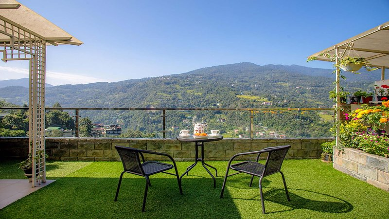Debrung by Vista Rooms, vacation rental in Pedong