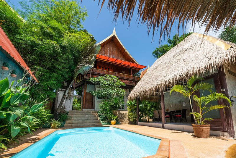 Villa Ayutthaya at Kantiang bay, location de vacances à Ko Lanta