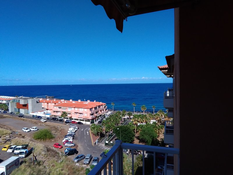 THIS PROPERTY IS IN A NEW AREA, WITH EXCELLENT VIEWS, VERY HOW LOCATION – semesterbostad i Candelaria
