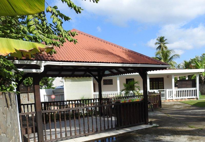 maison et bungalows sur proprièté, location de vacances à Le Robert