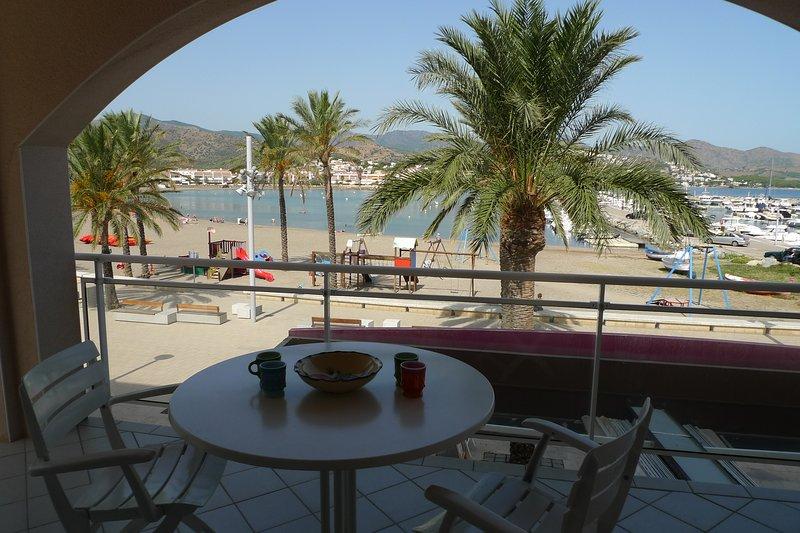 Platja del Port, Ferienwohnung in Llanca