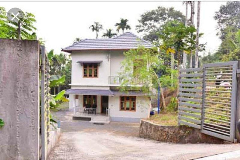 TripThrill Comfort Inn Homestay, vacation rental in Kaniyambetta