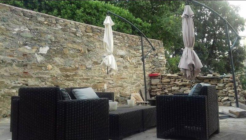 Amazing apartment with garden, casa vacanza a Ville-di-Pietrabugno