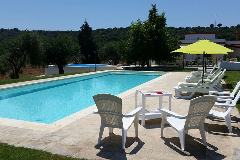 Amazing villa with swimming-pool, holiday rental in Miggiano