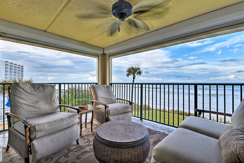 Lavish Beachfront Condo w/Balcony+Pool Access, vacation rental in Edgewater