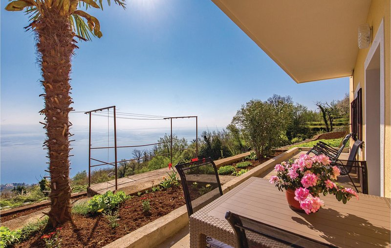 Beautiful home in Lovran with WiFi and 1 Bedrooms (CKO020), casa vacanza a Ucka Nature Park