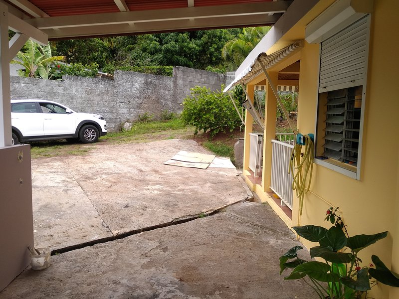 Spacious house with garden, vacation rental in Le Francois
